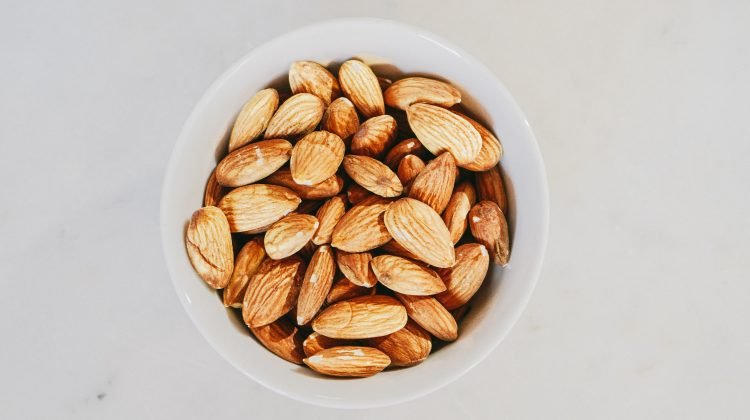 Can you freeze almonds?