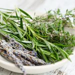 How to wash herbs safely without hurting flavors